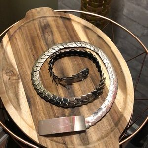 Accessories - Silver stretchy belt
